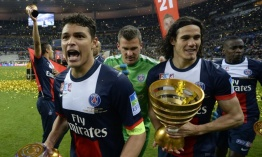Cavani, Thiago Silva y James Rodríguez, en once ideal de la Ligue 1