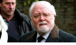 Fallece el actor británico Richard Attenborough, famoso por su participación en Jurassic