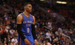 Westbrook impone su récord de triple-dobles en la NBA